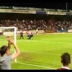 Niepełnosprawny fan wtargnął na boisko!
