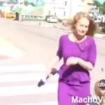 Poszczuła psami dziennikarkę!