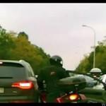 Warszawski taksówkarz kontra motocyklista