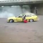 Drifter wyleciał z auta!