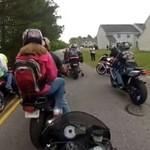 Dziewczyna spadła z motocykla!