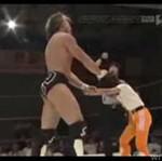 Wrestler kontra mała dziewczynka