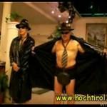 Występ tyrolskich striptizerów