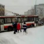 Palenie gumy trolejbusem