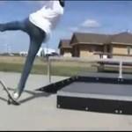 Skateboardowy pechowiec- AUĆ!