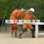 Japońscy strażacy - pokaz umiejętności