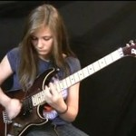 13-latka WYMIATA na gitarze!