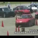Śmieszny wypadek podczas próby driftingu!