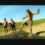 Nieprzyjemny taniec na pinezkach