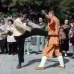 Turyści w klasztorze Shaolin