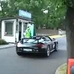 Polskie Porshe Carrera GT driftuje na stacji benzynowej!