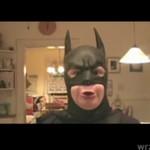 Co się stanie, gdy dostaniesz kostium Batmana na Gwiazdkę?