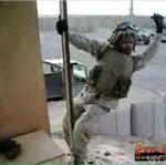 Amerykański żołnierz tańczy na rurze!