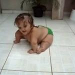 Dziewczynka nie ogarnęła chodzenia