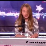 Dziewczynka w pięknym coverze Alicii Keys