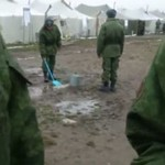 Tak rosyjscy żołnierze spędzają czas w pracy