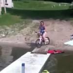 Pijana ciocia na BMX-ie