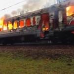 Płonące auta na ulicach Rosji